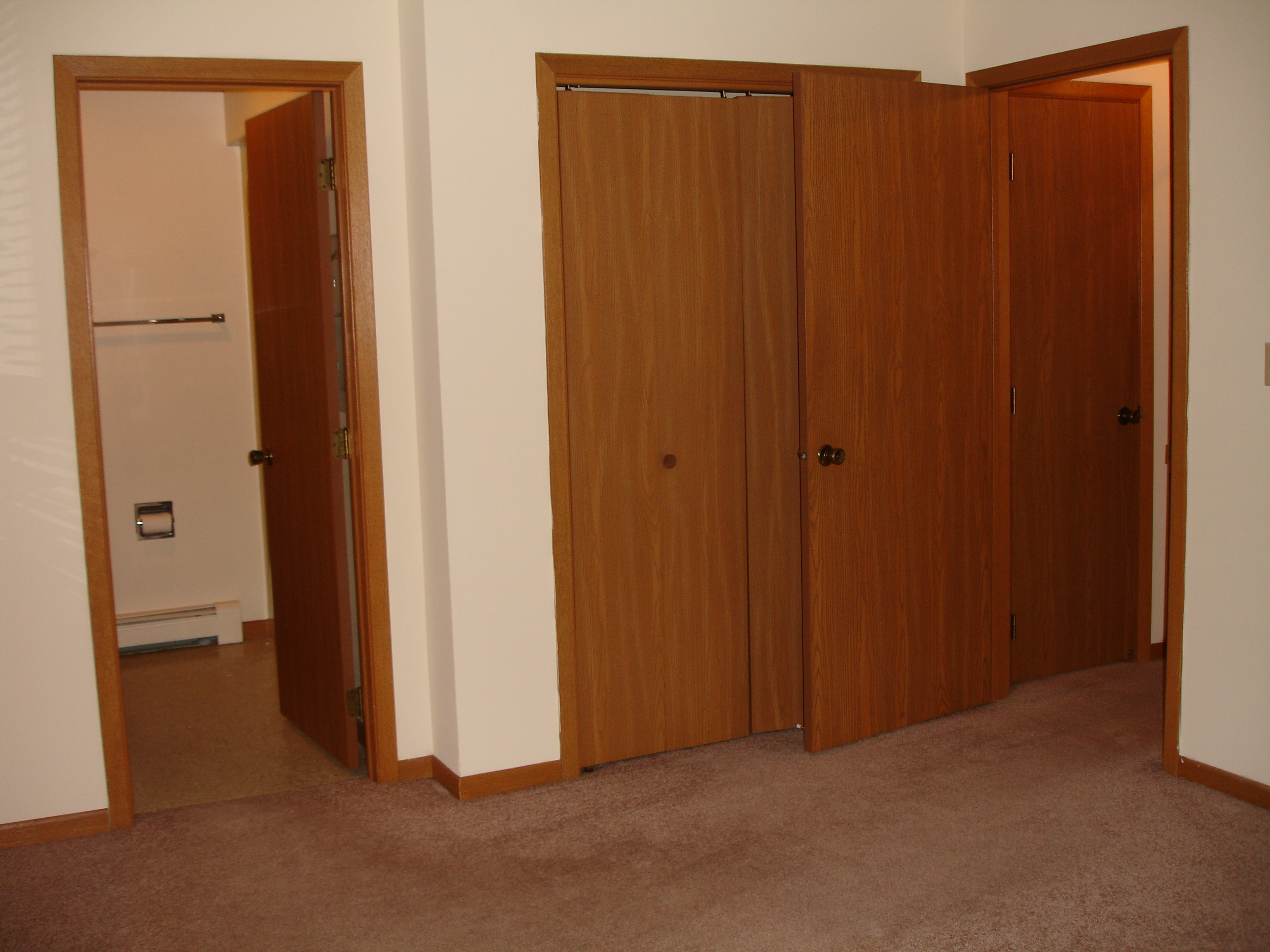 Rooms: Milwaukee Area Apartments For Rent » Shovers Realty, LLC